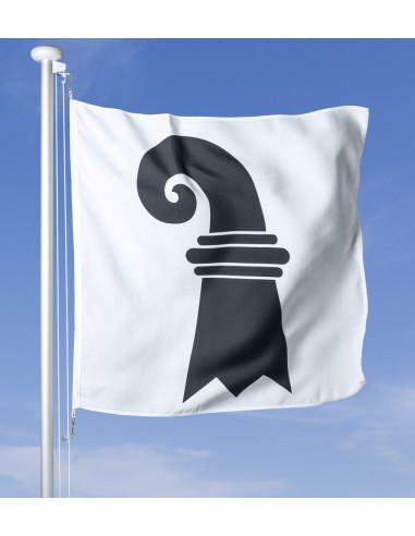 Bandiera Basilea Città che sventola al vento sul pennone, cielo blu sullo sfondo