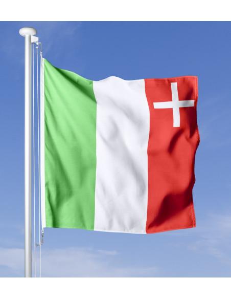 Bandiera Neuchâtel che sventola al vento sul pennone, cielo blu sullo sfondo